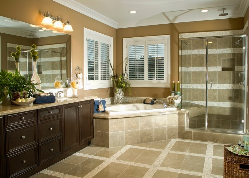 What Blinds Are Best to Use in a Bathroom?